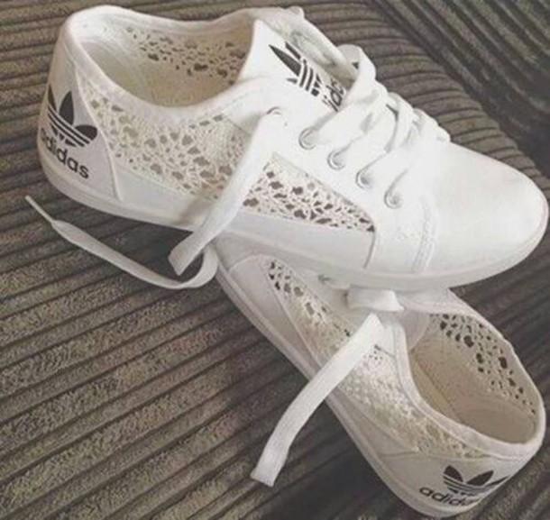 basket adidas blanche dentelle femme pour des sorties bon