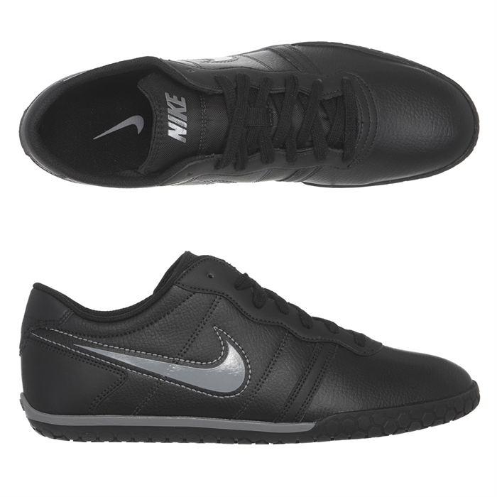 prix des chaussures nike fine